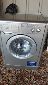 Silver/grey indesit washing machine. Very good condition. Clean .