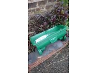 Evergreen Grass / Lawn Spreader
