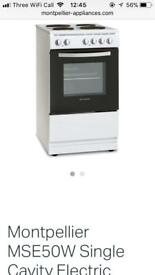 Montpellier electric cooker in white