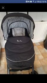 Silvercross 3D pushchair monochrome with matching car seat and isofix