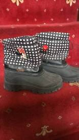Minnie mouse boots size 30