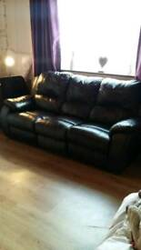 2 and 3 seater reclining leather settee £200 no offers please