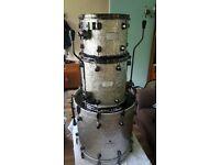 Mapex saturn 3 drum kit