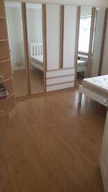 LOVELY 2 DOUBLE BEDROOM GROUND FLOOR FLAT WITH GARDEN £1375 PCM