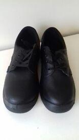 Brand new Steel Toe Cap boots (NEVER BEEN WORN) SIZE 7 UNISEX