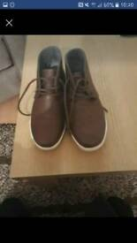 Boys boots size 1