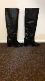 MISSGUIDED Knee boots size 5