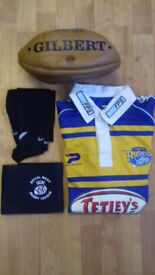 """""""GREAT CONDITION"""" (£30)_(LEEDS RHINOS T-Shirt Signed Autograph + Rugby Ball Signed Autograph/whole"""