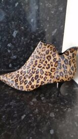 Clarks leather leopard print ankle boots 6
