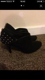 Shoe boots size 7
