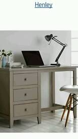 Henley desk gray