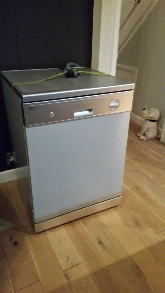 HEC Dishwasher , hardly been used, excellent condition