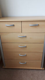 Chest of drawers and 3 draw bedside cabinet in great condition