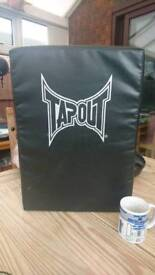 Tapout kick and punch pad