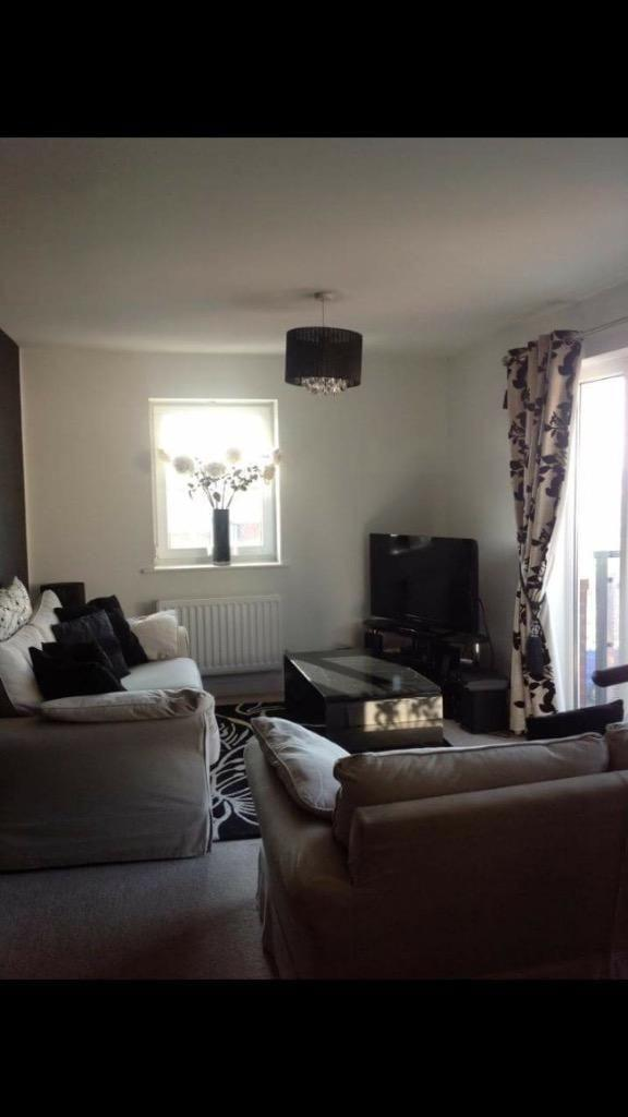 MODERN 2 BED FLAT TO RENT IN GOODMAYES! 2 BATHROOMS, FURNISHED WITH PRIVATE PARKING!