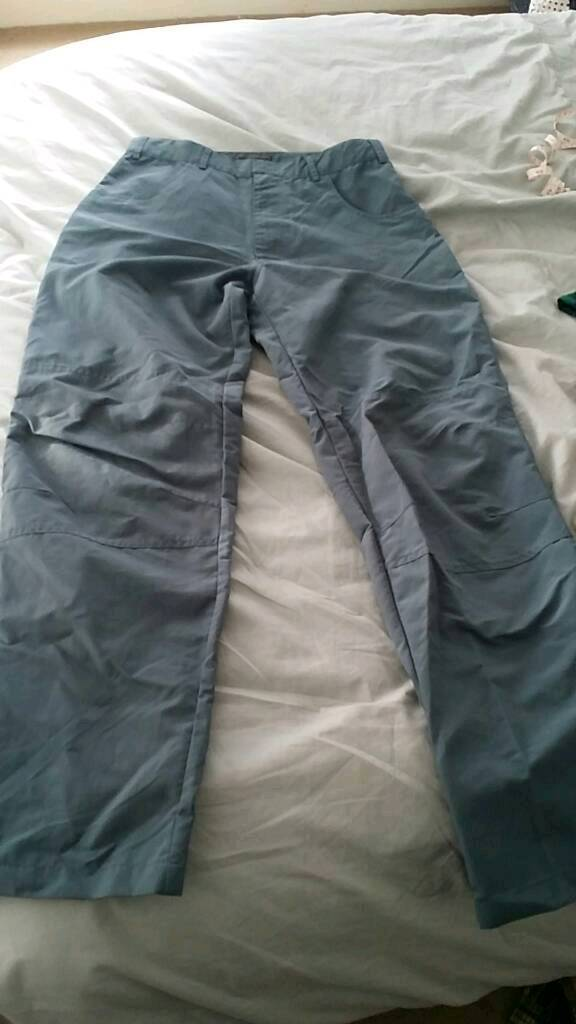 Mens large navy waterproof walking trousers in very good condition