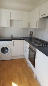 2 bed Room Flat Furnished immaculate condition mins from Wood Green Station