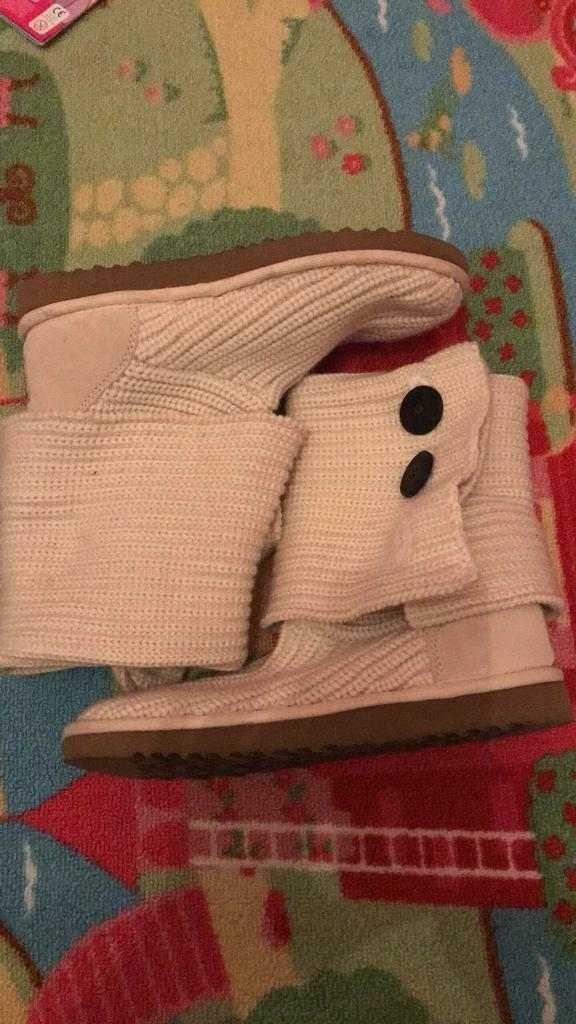 Size 6.5 genuine ugg boots