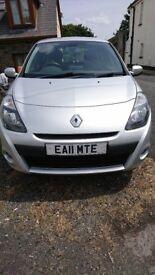**New Breaks** Renault Clio 2011 built-in SatNav - Low Mileage