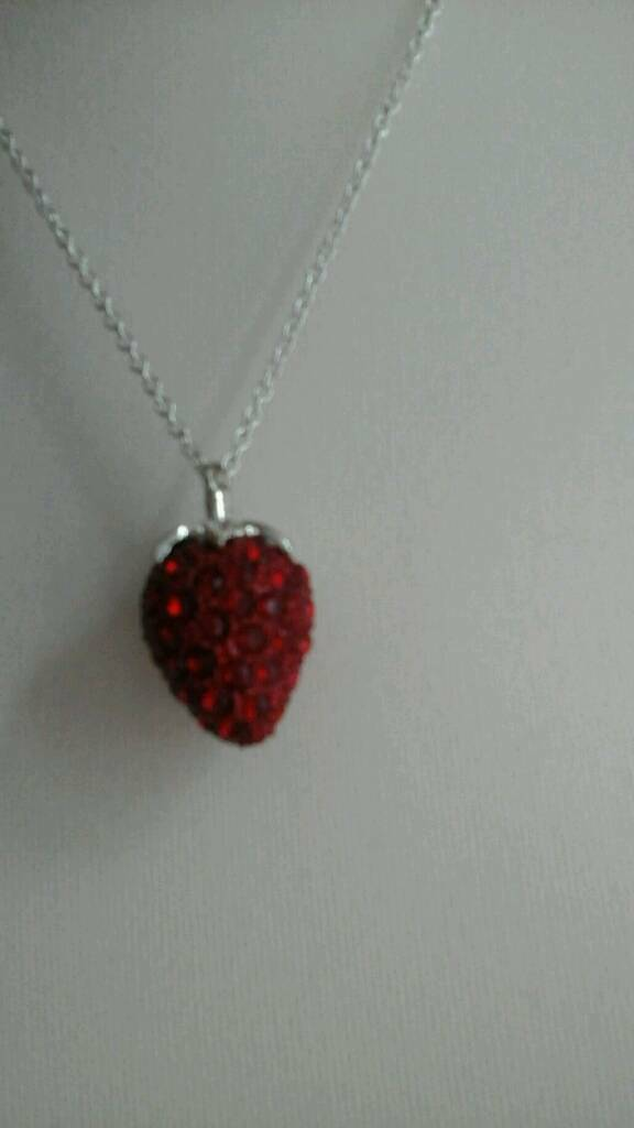 Strawberry necklace new