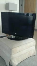 LG TV 26 INCH. 26LH2000