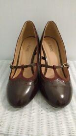 Maroon / Wine Red high heels (size 7)