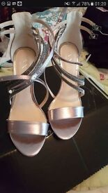 Brand new strappy sandals 39/ 6 silver party