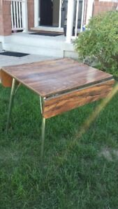 Retro drop leaf kitchen/dinette table.