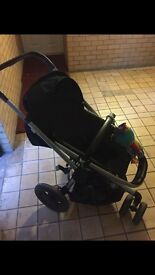 Quinny buzz with car seat selling due to my son no longer using it
