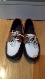 **Great value** Classic desk shoes - size 7.5 only £15