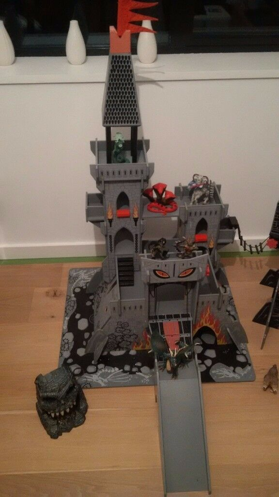Childrens play castle - ELC Tower of doom and Dungeon of doom