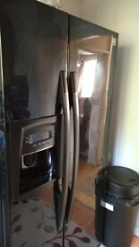 Deawoo side by side fridge freezer in good condition for sale