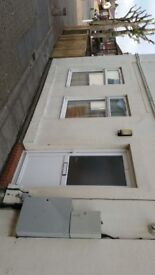 Ipswich centre, £507 pcm 2 bed, long let. Recently converted house. No pets/DSS. 07765288156