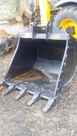 4 foot digger bucket to suit 13 ton digger