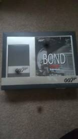 James Bond Gift Set
