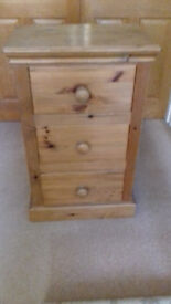Tuscan pine 3 drawer bedside chest of drawers. Victorian wax finish. Good condition