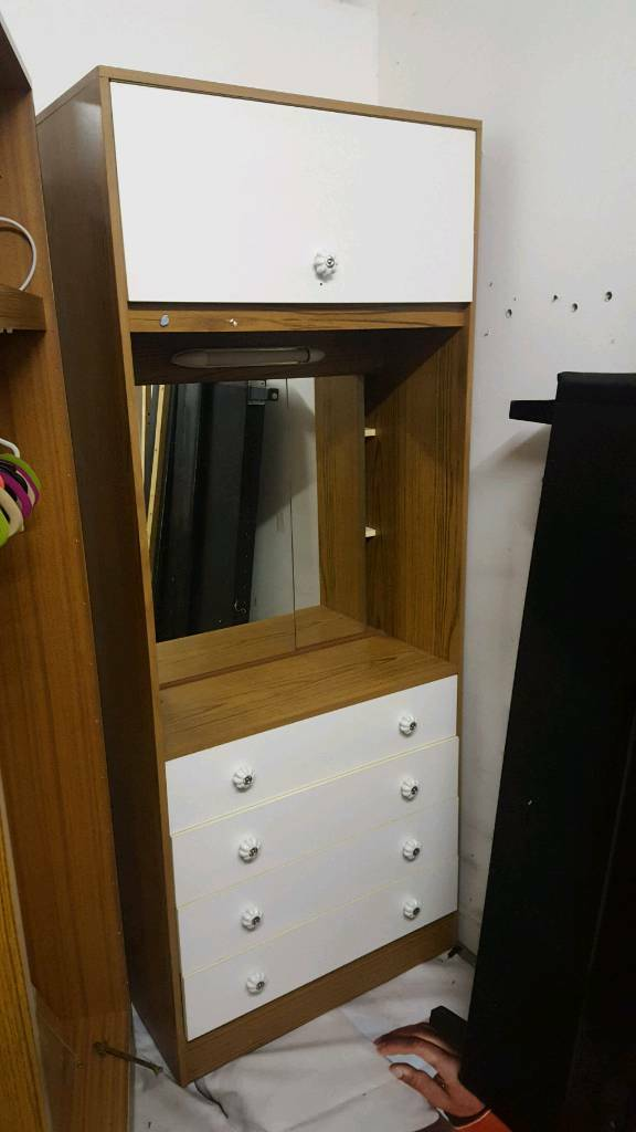 Wardrobe, drawers free to collect