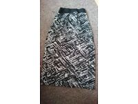 Black and white skirt size 6