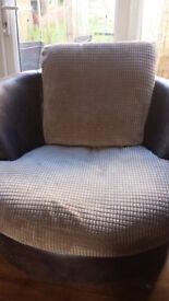 Swival circular chair