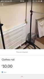 Adjustable clothes rail with pull out small side rail