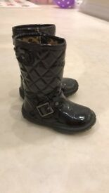 Girls black boots - Size 5