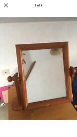 Pivot table top mirror