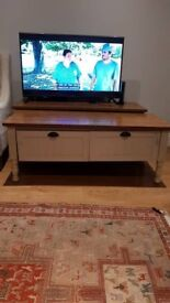REDUCED! GREY COFFEE TABLE AND TV STAND
