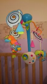 Cot baby mobile