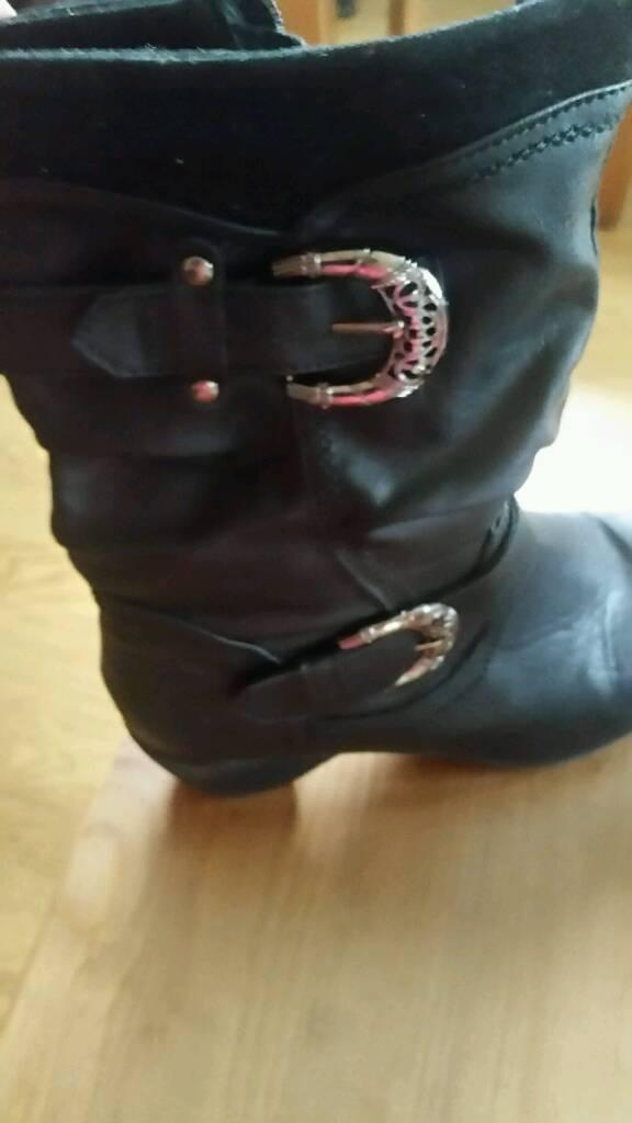 Womans Black Boots