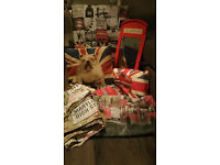 London quilt covers x4, canvas picture, 2 British Bulldog cushions from Next & Post Box Mirror