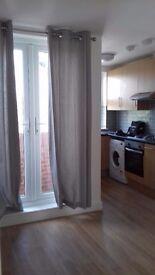 2 Bedroom 3rd Floor Flat TO LET in Honeypot Lane, Queensbury