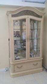 DISPLAY CABINET BY STANLEY FURNITURE (COST £1,500 FROM STOCKTONS)