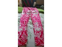 William Morris Patterned leggings, Pink and white.