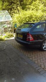 2005 C200 merc good condition with private plate